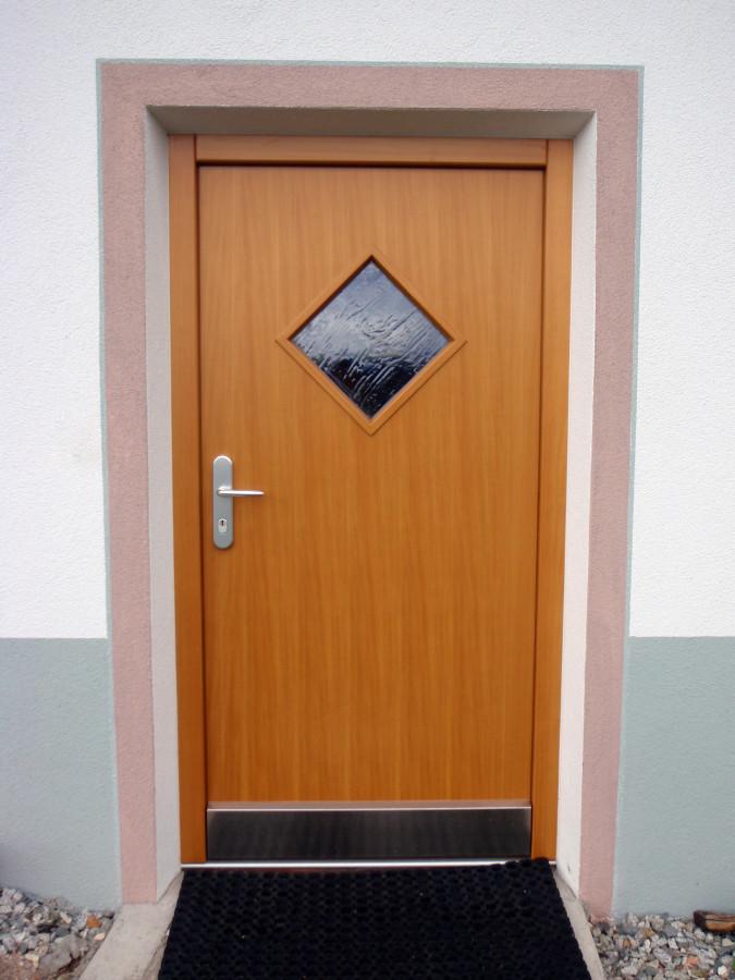 haustueren tischlerei plaikner 20111104 1484299160 - Portoni per esterni
