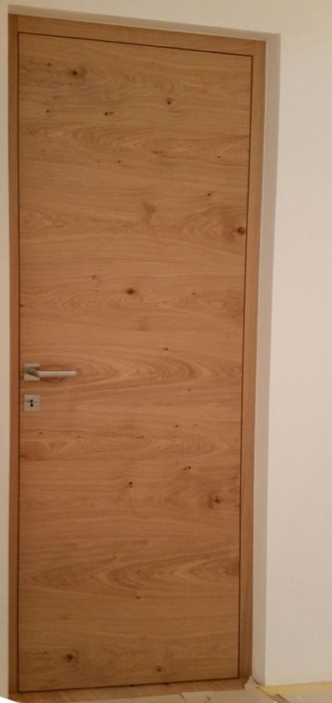 Türstock und Türblatt flächenbündig 485x1024 - Porte interne